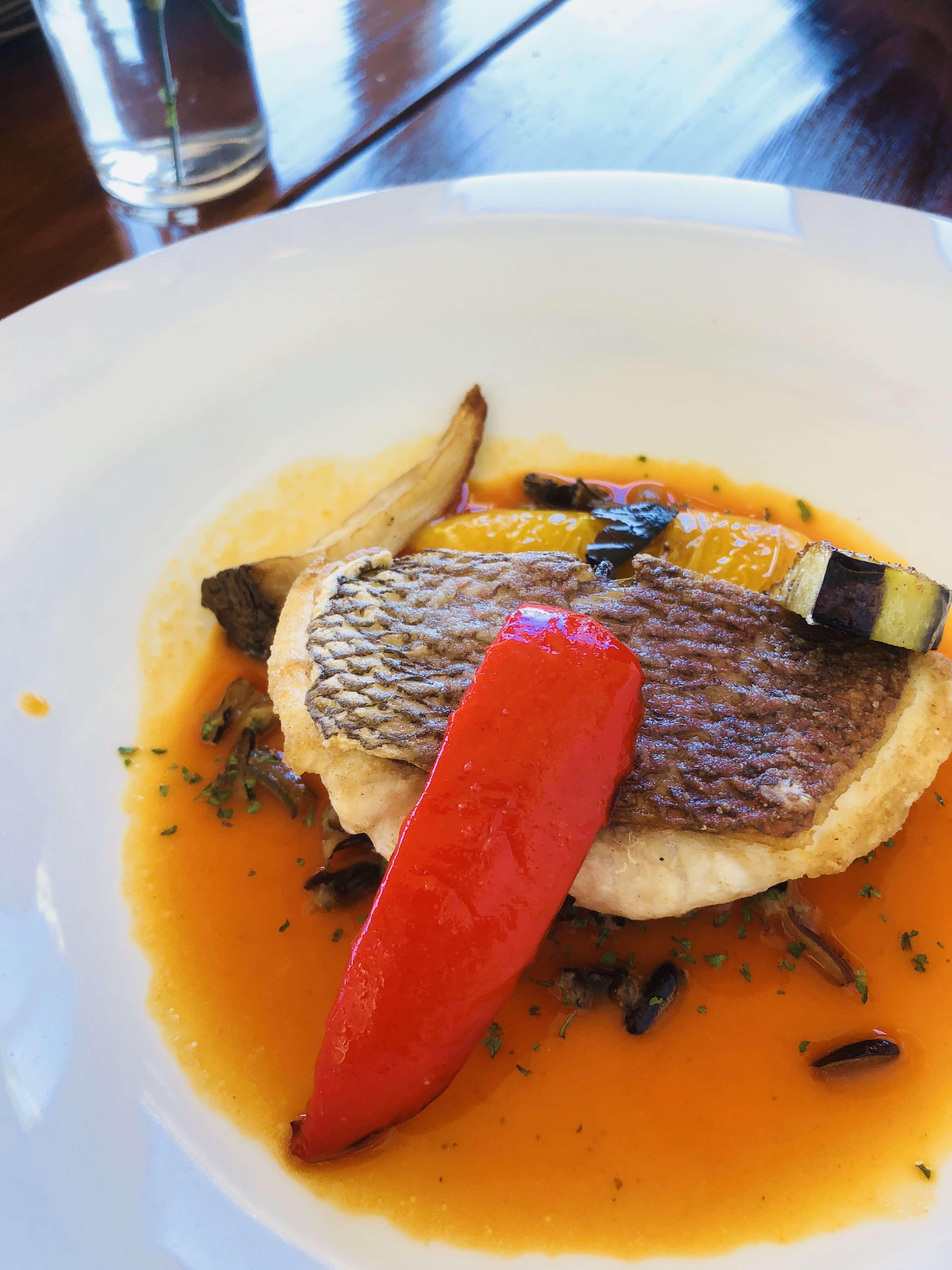 首里 ヨナサルウテ メインの魚