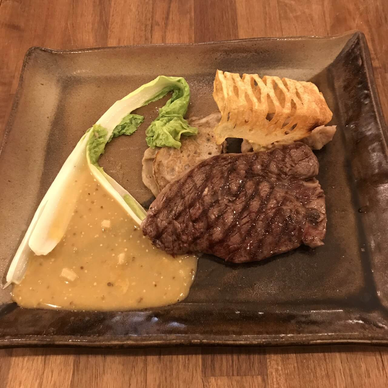 プチットリュのメインのステーキ