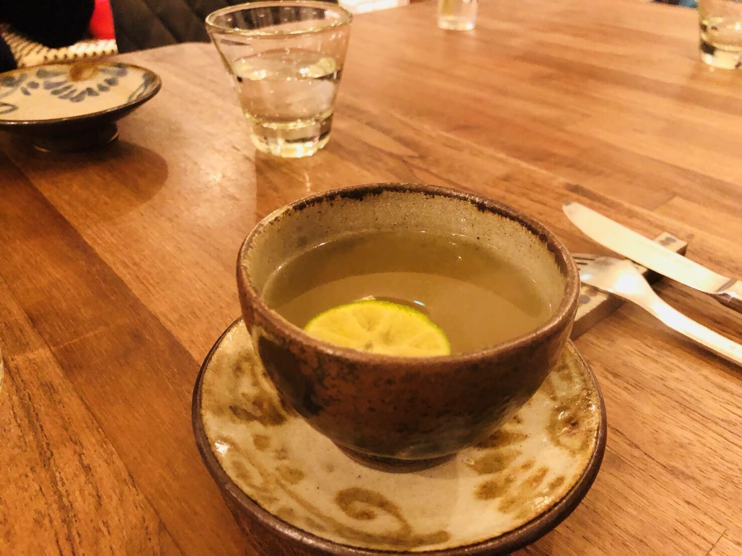 プチットリュの前菜のスープ